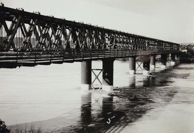 Untitled (railway bridge)