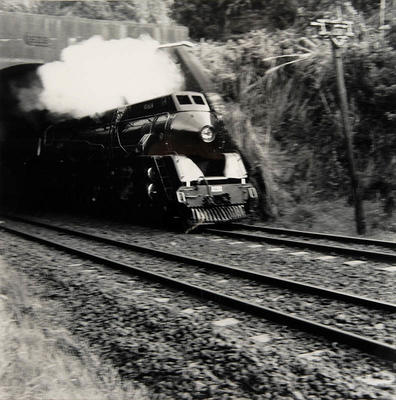 Engine leaving Glen Innes Tunnel