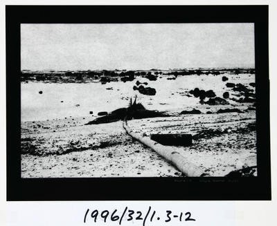 Wayne Barrar; Nauru:3; Circa 1992; 1996/32/1.3