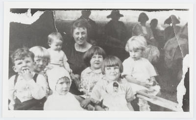 Unknown; Portrait of Edith Collier and a group of nieces and nephews.; A2015/1/52