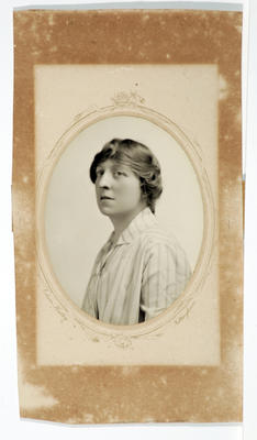 Edwin Hadley; [Photograph, Portrait of a woman]; Unknown; A2015/4/120