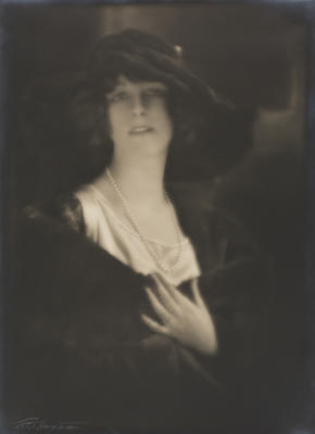 Miss Gwenneth Humphreys