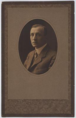 Unknown; [Photograph, Vivian Smith]; 1900-1920s?; A2015/4/109
