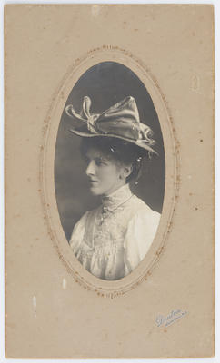 Frank Denton; Portrait of Edith Collier wearing a hat; Unknown; A2015/1/14