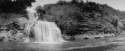 Paparoa Falls, Wanganui River 1982