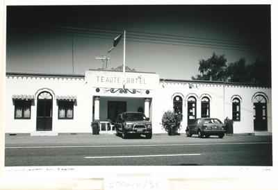 Te Aute Hotel Rt 2. From the Neighbourhood Landmark Series