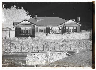 Glass plate negative of Frank Denton's house, Liverpool Street, Whanganui