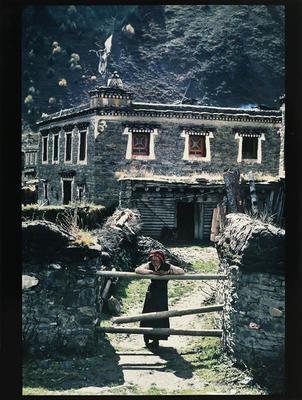 Hamish Horsley; Village girl, Lhagong, Kham, East Tibet, 1990; 1990; 1997/2/21