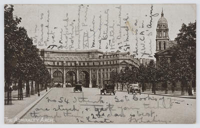 Unknown; Black and white photographic postcard of the Admiralty Arch.; A2015/1/173