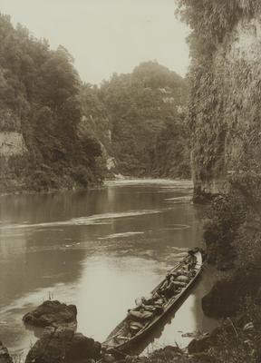Charles F Newham; Whanganui River Drop Scene; Circa 1910; Circa 1910s-1920s; 2021/4/1