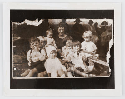 Unknown; Photograph of Edith Collier with nieces and nephews; Unknown; A2015/1/473