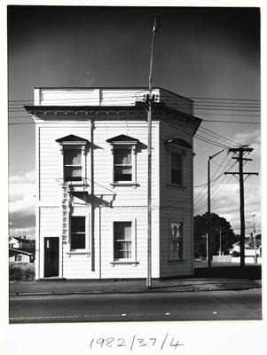 Flats, Wanganui, (Corner Victoria Ave & Liverpool St)