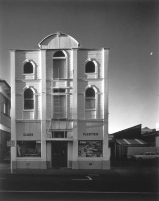 Laurence Aberhart; Wooden Building, St. Hill Street, Wanganui; 1986; 1987/1/2